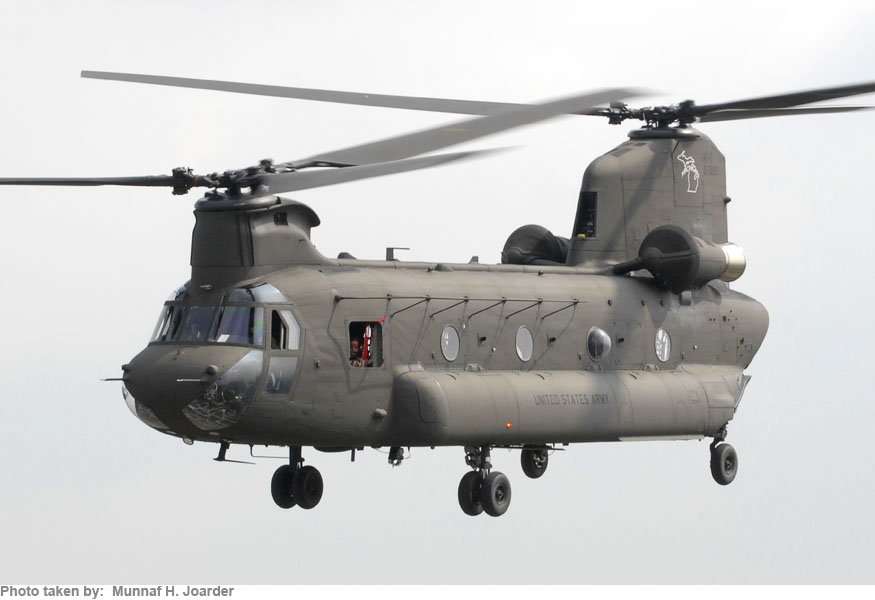 chanook helicopter with Ch 47 Chinook on Xmas ab205 3 also 6758972519 likewise ACH 2047A 20Gunship 20Chinook 20Italeri 20  20Alejandro 20Vallejo moreover CH 47 Chinook in addition File 2010 RAF Photographic  petition Cat A   Mobile News Team  Headquarters Air  mand   First Place MOD 45152033.
